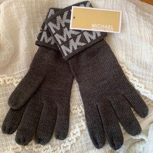 MICHAEL KORS Signature Gloves • NWT!